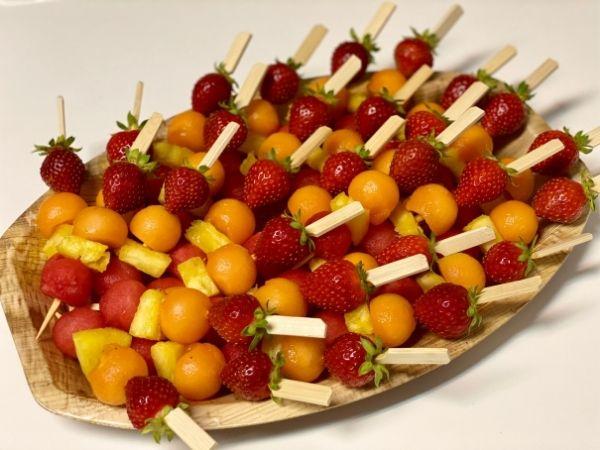 brochettes de fruits frais bio